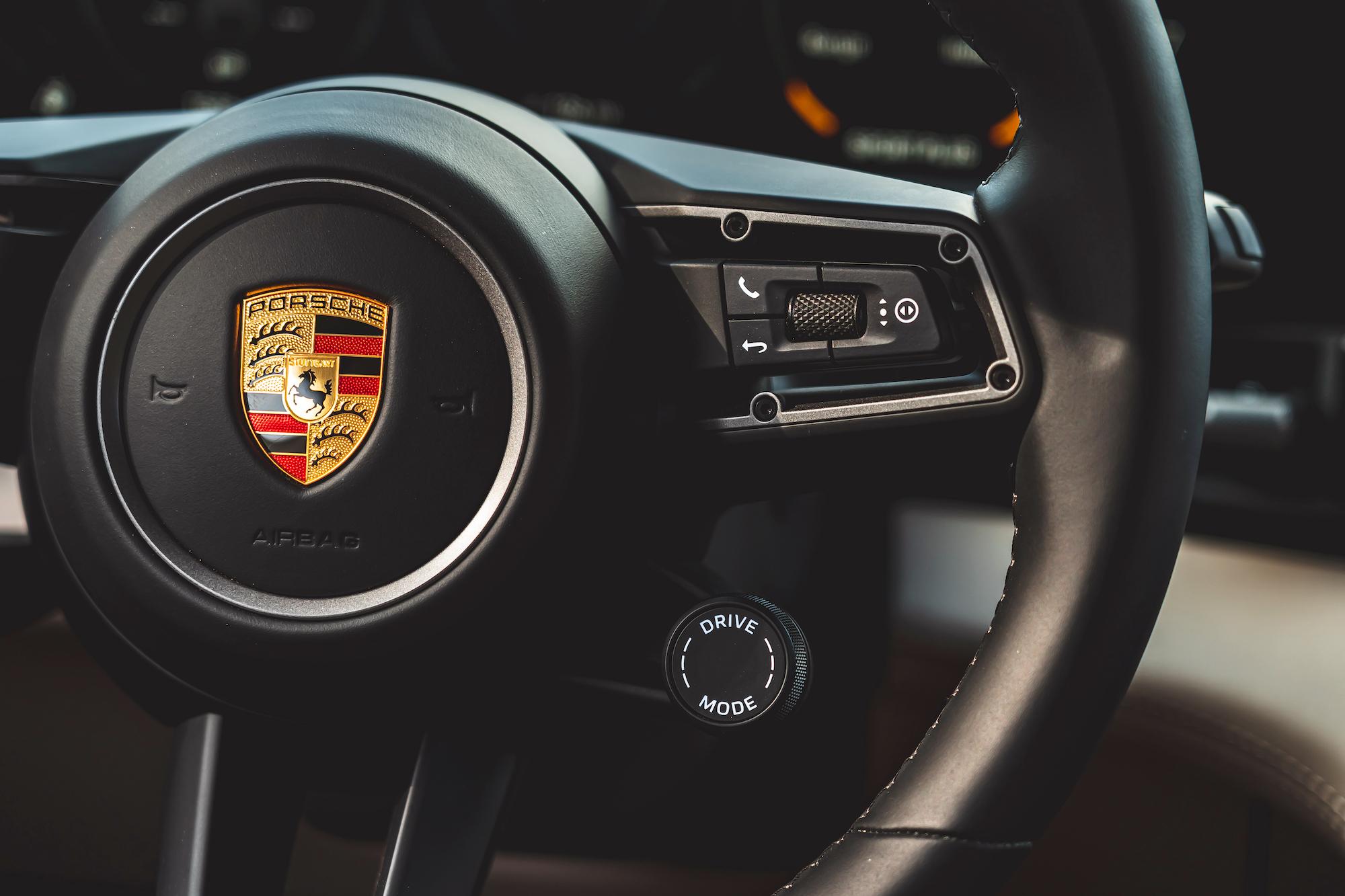 Porsche Taycan4_Cross_Turismo
